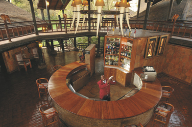 ©Ol Tukai Lodge; Imposante Bar