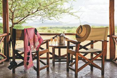 Jedes Safarizelt hat eine Veranda