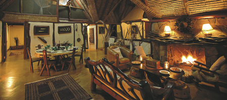 Lounge im Saruni Mara