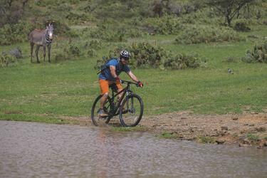Mit dem Mountainbike im Loisaba Schutzgebiet