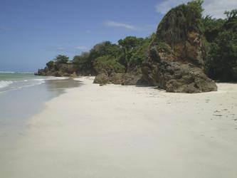 Der Strand vor dem Resort