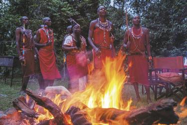 Traditionelle Tänze am Lagerfeuer, ©Georgina Goodwin