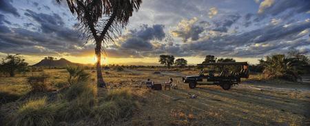 Romantischer Sundowner im Busch, ©Stevie Mann