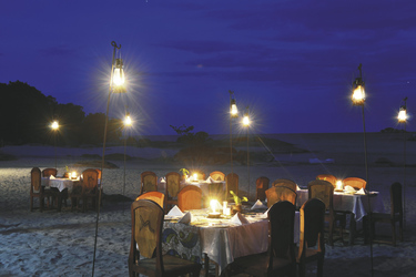 Romantisches Dinner am Strand