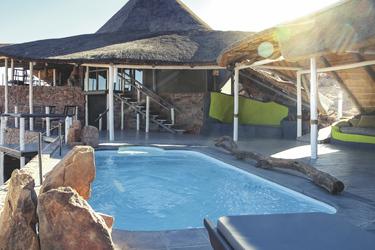 Am Pool entspannen