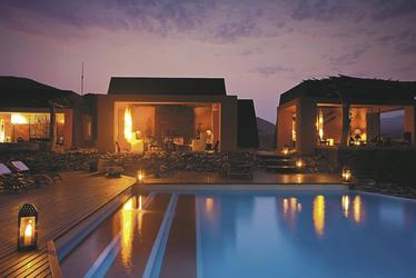 Traumhafte Abendstimmung am Pool