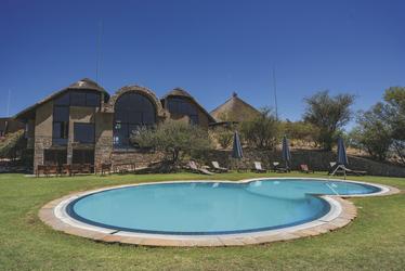 Herrliche Pool- und Gartenanlage