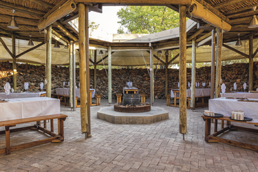 Open-Air Restaurant, © Taleni Africa