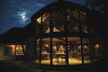 Abendstimmung auf der Hobatere Lodge