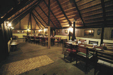 Boma der Ndhovu Lodge