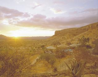 Sonnenuntergang in den Ugab Terrassen Namibias