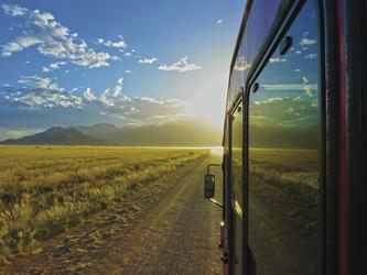 Unterwegs mit dem Safari-Fahrzeug