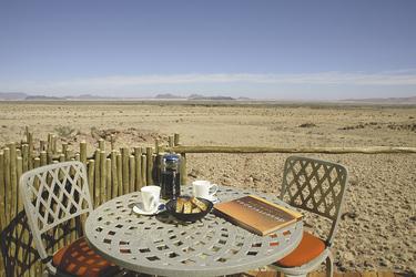 Veranda der Sossus Dune Lodge