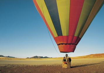 Mit dem Heißluftballon über Namib Wüste