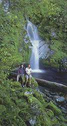 Ruhepause am Wasserfall