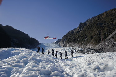 Per Helikopter zum Gletscher