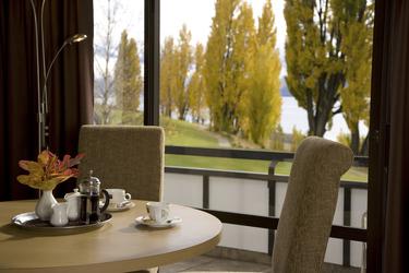 Suite-Lounge mit Blick, ©Miz Watanabe