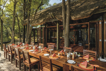 (©)Roger de la Harpe Rhino Post Safari Lodge