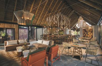 Lounge und Barbereich
