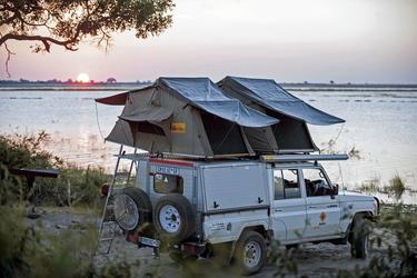 Toyota Landcruiser mit Dachzelten (CruC4)