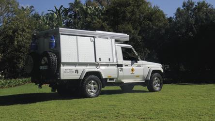 4x4 Toyota Landcruiser Bushcamper (CruCAM)