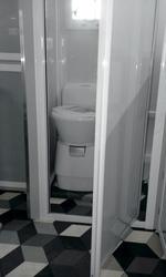 Separater WC-Raum