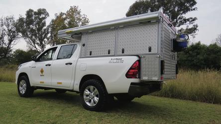 4x4 Toyota Hilux Bushcamper (HILCAM)