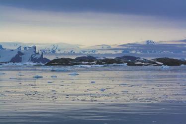 Unterwegs im ewigen Eis