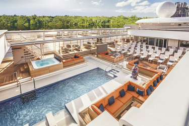 Pooldeck der Hanseatic nature