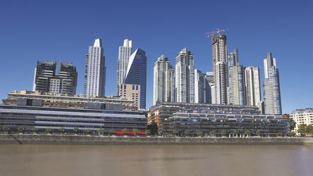 am Hafen von Buenos Aires