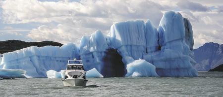 Bootsfahrt in Richtung Estancia Cristina