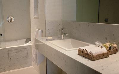 Hotel Serena - Beispiel Badezimmer