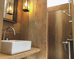 Beispiel Badezimmer im Wohnzelt