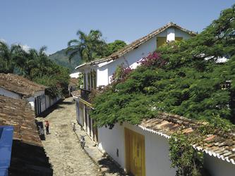 Straße im kolonialen Zentrum von Parati