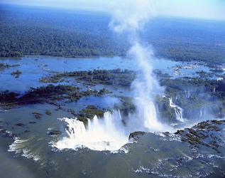 Iguazu Wasserfälle aus der Luft