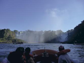 Macuco Bootstour zu den Wasserfällen