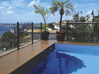 Casa do Amarelindo, Pool