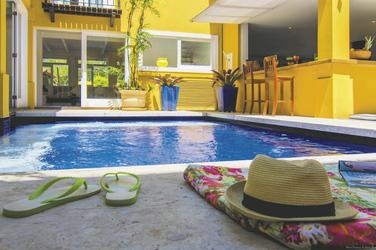 Poolbereich Pousada La Chimere
