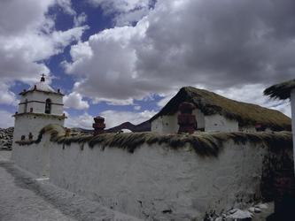 Kirche von Parinacota im Lauca Nationalpark