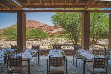 Außenbereich Restaurant, ©Alto Atacama Desert Lodge & Spa