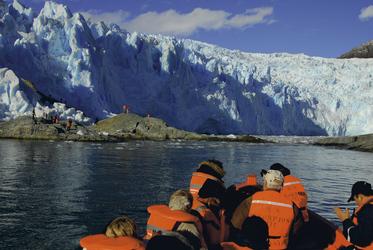 Skorpios III, Landgang El Brujo Gletscher