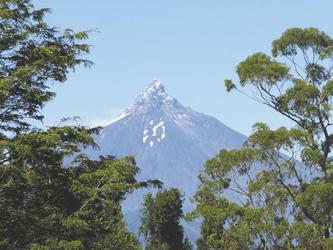 Blick von El Taique auf den Vulkan Puntiagudo