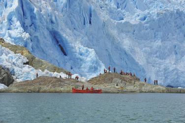 Landgang am El Brujo Gletscher