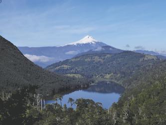 Vulkan Villarica in der Seenregion