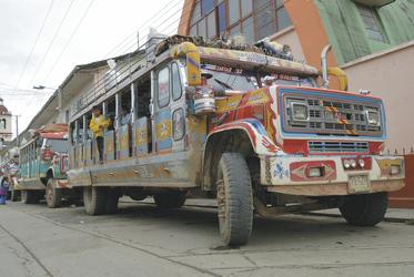 Typische Chivas-Busse in Popayan, ©Georg Rubin