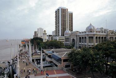 Promenade Malecon 2000 in Guayaquil