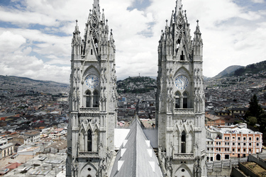 Basílica del Voto Nacional ©Adam Hinton