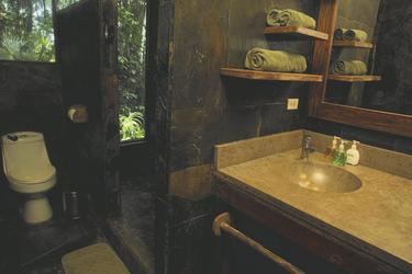 Badzimmerbeispiel Sacha Lodge