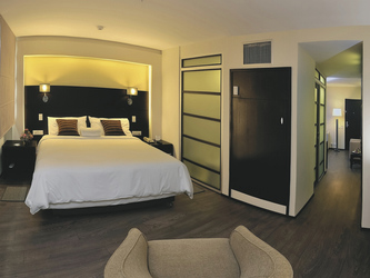 Signature Suite mit King Bett