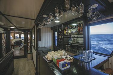 Bar auf dem Hauptdeck